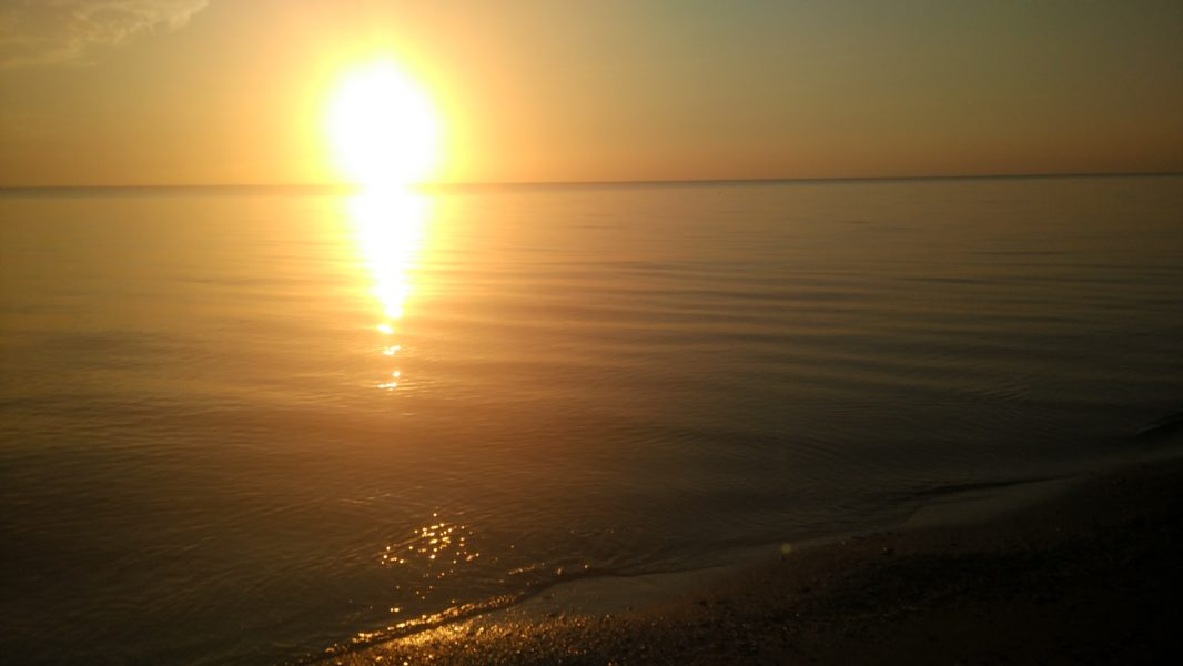 закат на Азовском море в Кучугурах