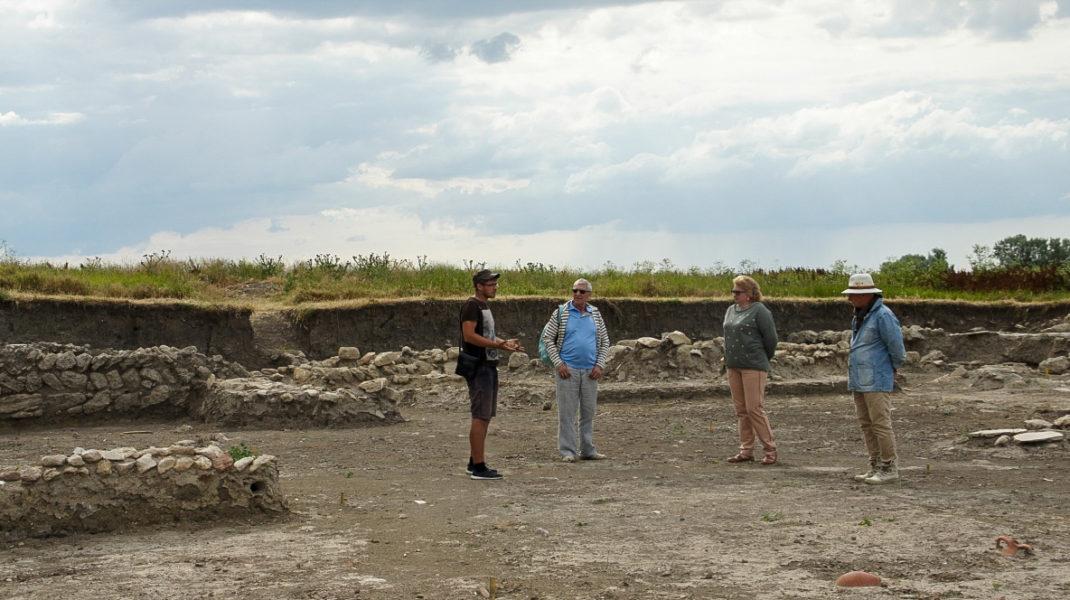 Чтобы увидеть раскопки Фанагории, надо заказывать коллективную экскурсию